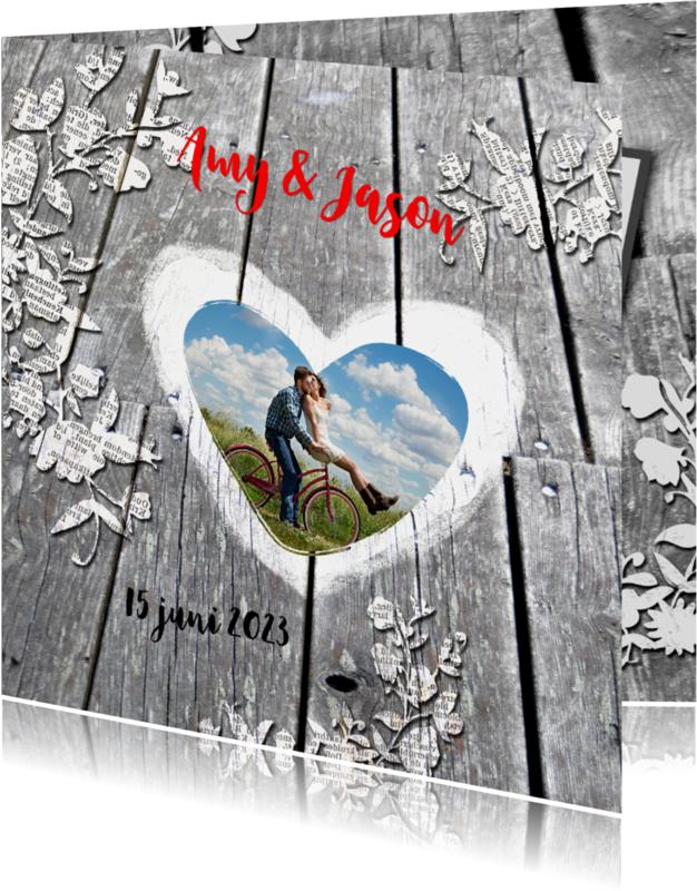 Trouwkaarten - Houten brug met hart en bloemen