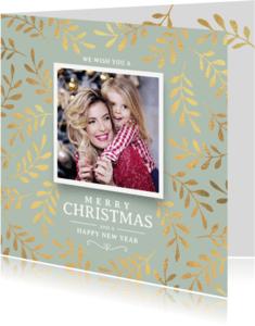 Kerstkaarten - Kerstkaart stijlvol met kersttakken goud