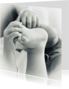 Geboortekaartjes - Kleine handjes en voetjes