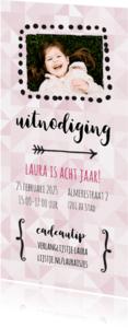 Uitnodigingen - Uitnodiging - verjaardag roze ruitjes (langwerpig)